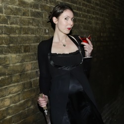 Zoe Cunningham as Cassandra Bick